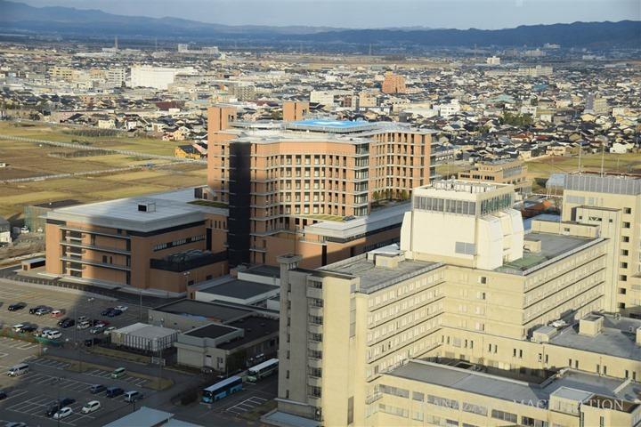 石川県立中央病院建設工事 2017.12