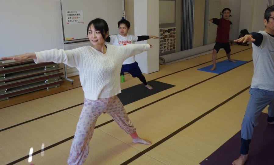 できる男は始めているヨガの習慣。金沢駅から徒歩5分の『 なないろヨガ 』は男性も通いやすいヨガ教室