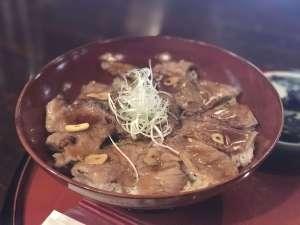 茅葺古民家「庄屋の館」で能登牛ステーキ丼を食らう !!