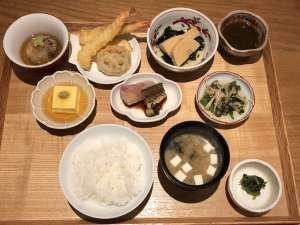 『 嬉ぐ 』大手町の隠れ家日本料理店 人気の昼弁当を実食