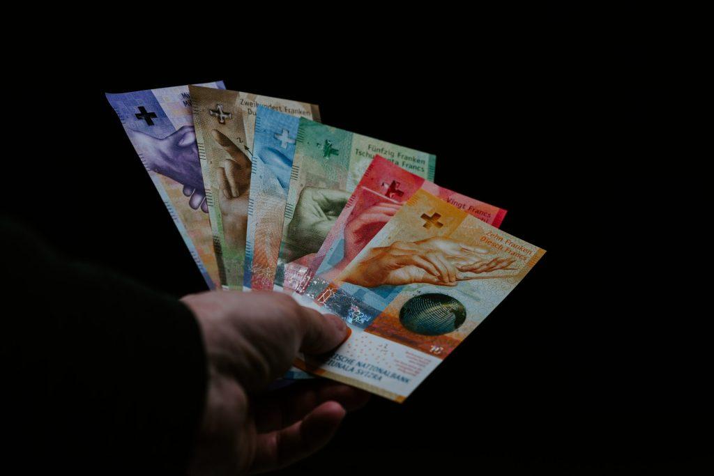 Proces sądowy w sprawie frankowej – jak to wygląda w praktyce?