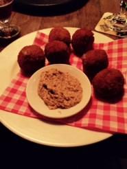Bitterballen @ Cafe Lennep