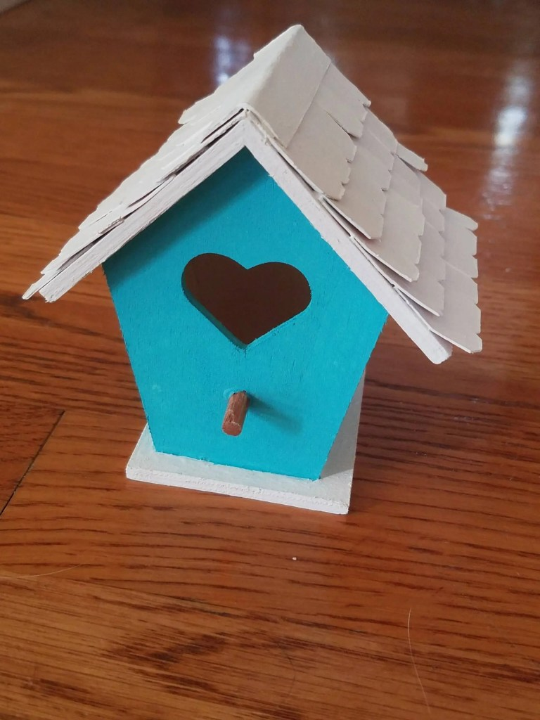 Read more about the article Cute Dollar Tree Bird House DIY