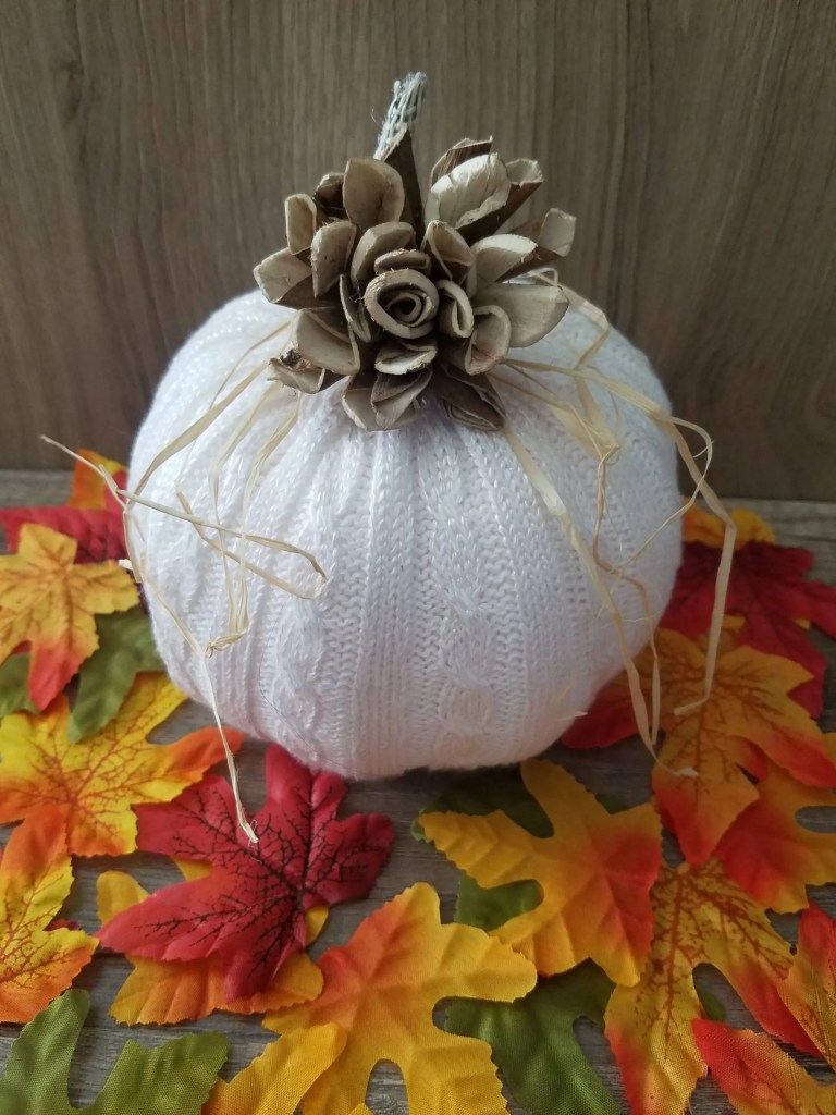 Read more about the article No Sew Sweater Pumpkin