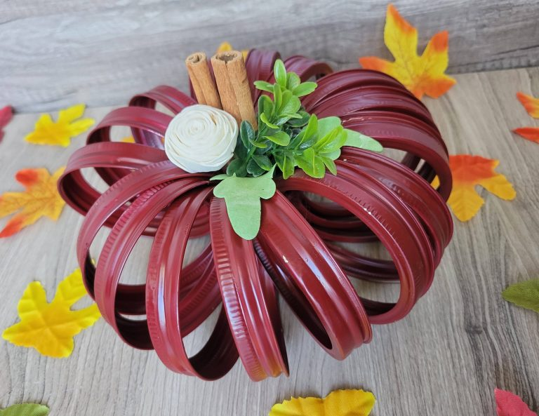 Read more about the article Mason Jar Lid Pumpkin