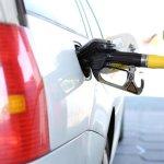ガソリン価格にも影響する、原油価格が株価や為替に与える影響