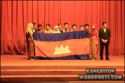 Performa mahasiswa Kamboja seusai menari dan mempromosikan negaranya di UNS Cultural Night 2012