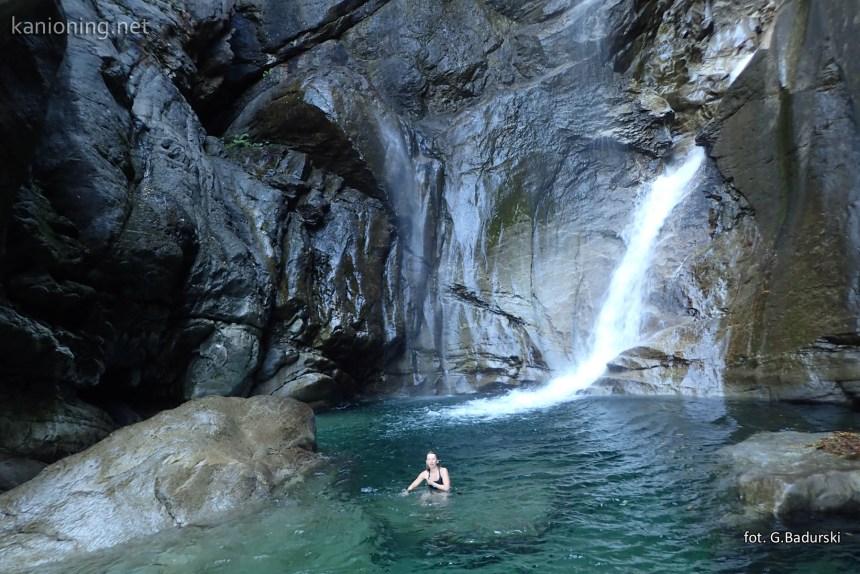 Jezioro pod dolną kaskadą Lodrino