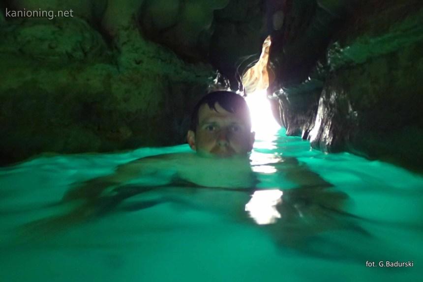 Pasaż do jaskini