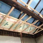 天井下地組みと保温材の仕込み