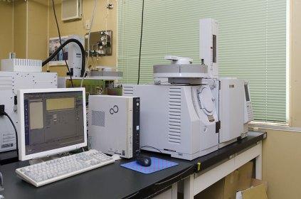ガスクロマトグラフ質量分析計