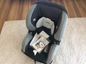 二点式シートベルトのキャンピングカーにはイーブンフロー(evenflo)チャイルドシート シェアライドのレビュー
