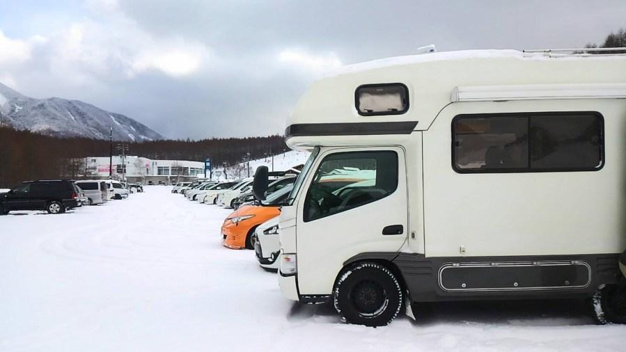 冬のスノボ・スキー旅行にキャンピングカーレンタル滋賀
