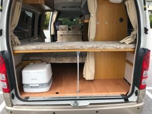 ベット下収納スペース 高床バージョン ハイエースキャンピングカー