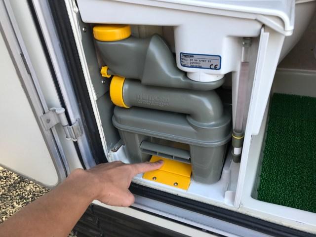 キャンピングカーのカセットトイレの処理方法 キャンピングカーレンタル滋賀