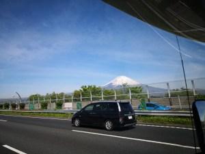 GWゴールデンウィーク 東名高速からの富士山 キャンピングカーレンタル滋賀