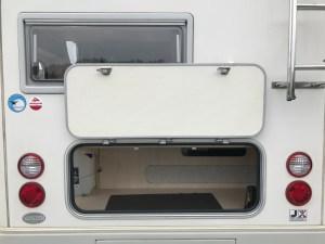 広い外部収納(後部ハッチ) バンテックコルドバンクス キャンピングカーレンタル滋賀カノアカーレンタル
