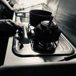 キャンピングカーのキッチン バンテックコルドバンクス 滋賀県長浜市のキャンピングカーレンタル滋賀 カノアカーレンタル