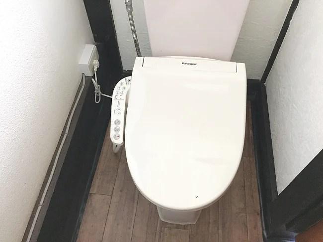 ウエストリバーオートキャンプ場のトイレはウォシュレット付き暖房便座