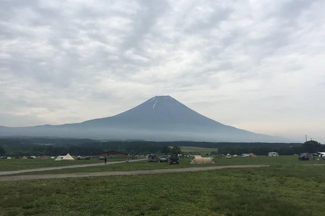ふもとっぱらから見た富士山