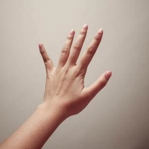 指のしびれ