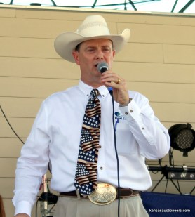 Lance Fullerton, 2014 Kansas Auctioneer Champion and MC of the 2015 finals.