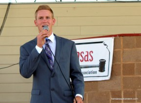 Jeff Garber competing in the 2015 Kansas Auctioneer finals.