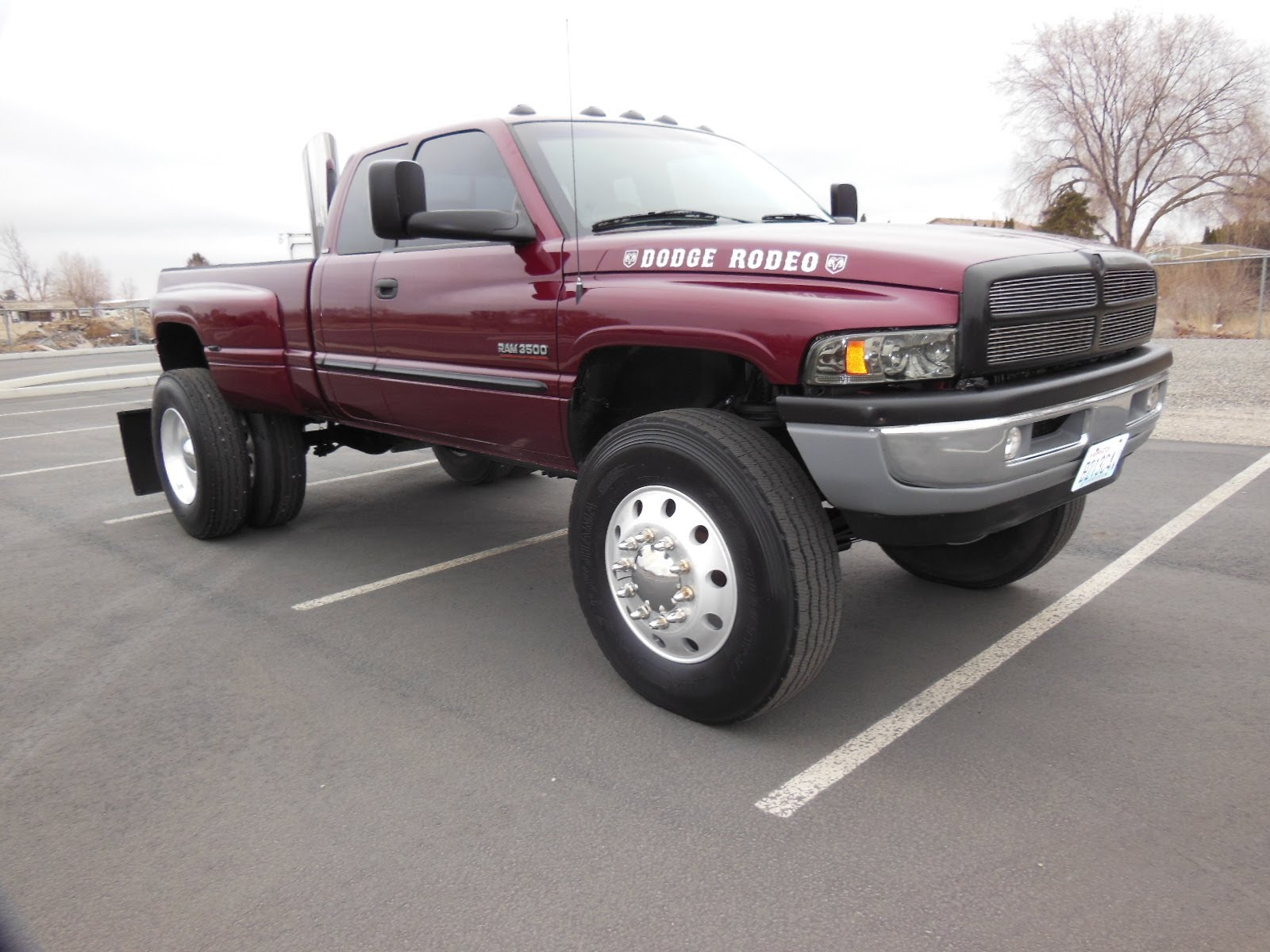 2001 DODGE CUMMINS STACKS SEMI WHEELS AND TIRES
