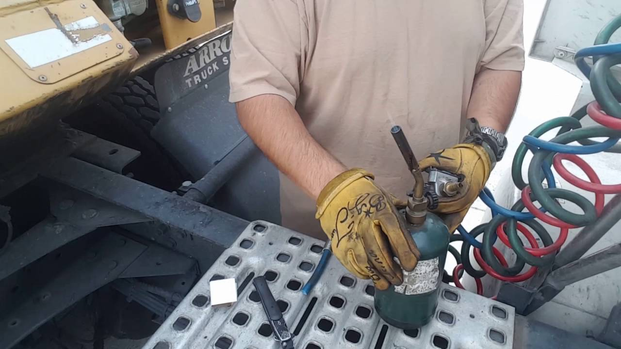 How to fix glad hand air hose connection