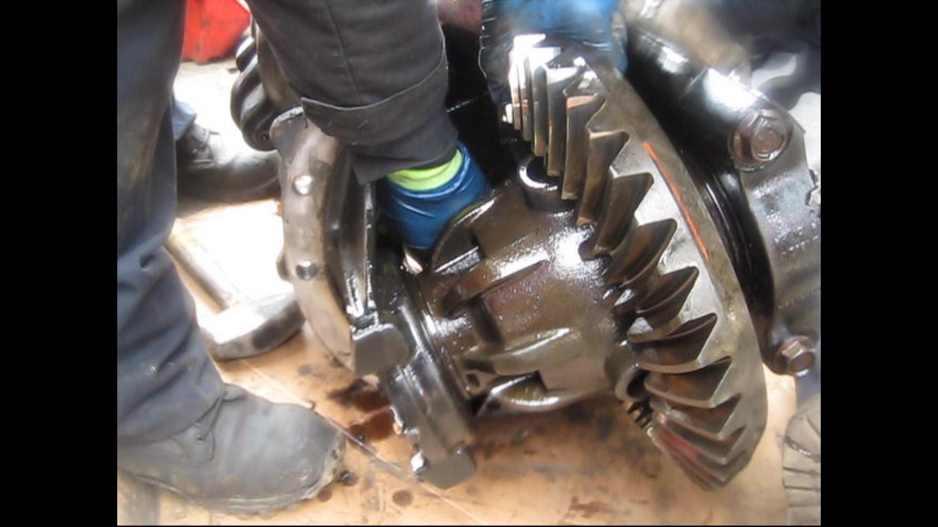 Power divider ~ Rear Axle Damaged ~ Freightliner Century