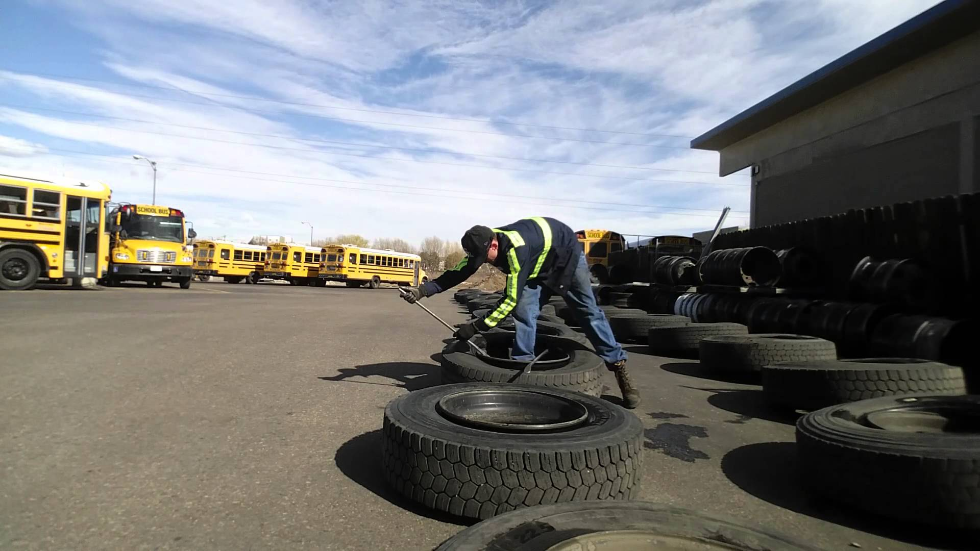A&E Tire Inc. Dismounting 36 Tires