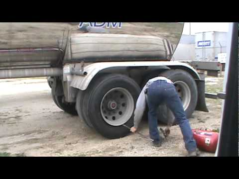 dismount and mount truck tires 2