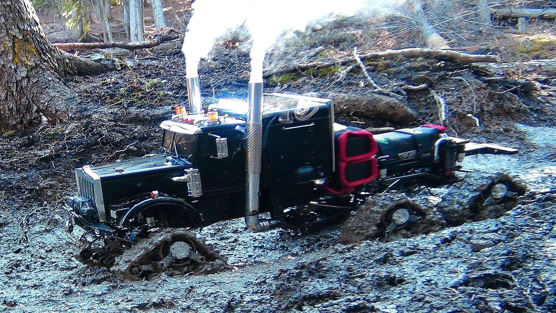 """RC ADVENTURES - Muddy Tracked Semi-Truck 6X6X6 HD OVERKiLL & 4X4 """"BEAST"""" MT on the Trail"""
