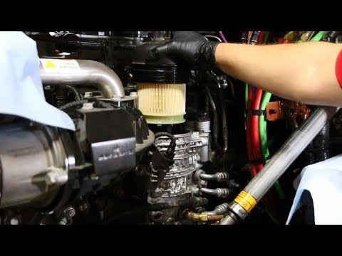 Detroit™ DD15 Fuel Filter Change with Fleetguard FK13850NN