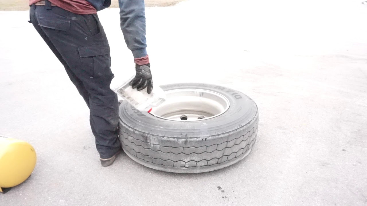 How to change a semi truck tire (full process explained)