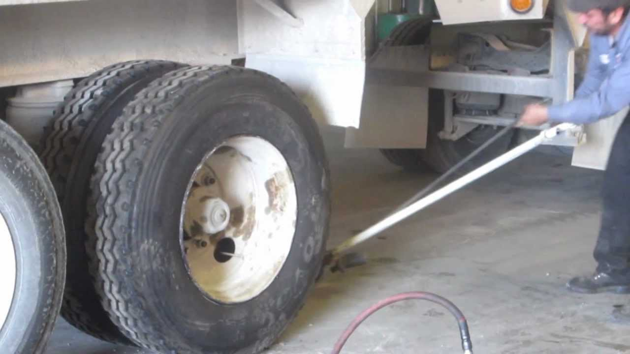 """Señor Pedro:  """"How to Change-Out Truck Tires"""", Part 3"""