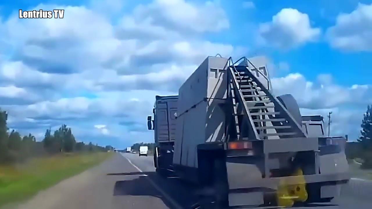 TRUCK CRASHES   BIG RIG CRASHES   CAR CRASHES   US Trailer Rental and Storage Inc   Dry Vans Trailer