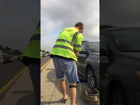 The Fastest Roadside Guy Alive - Fast lane tire change-Roadside Assistance