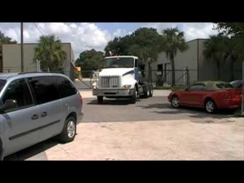 FlechaAuto.com Free semi truck estimates.