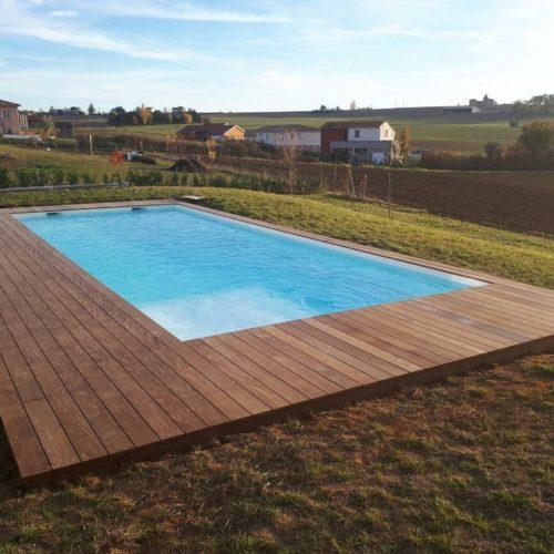 terrasse bois ipe autour d une piscine
