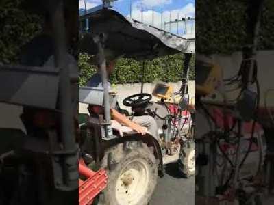 トラクターの自動化がコスト安、簡単に改造可能