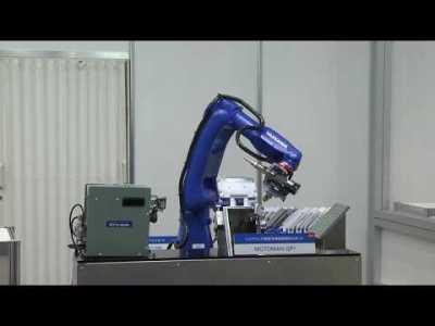 【安川電機】ロボットとねじ締め作業の一括制御-2017国際ロボット展