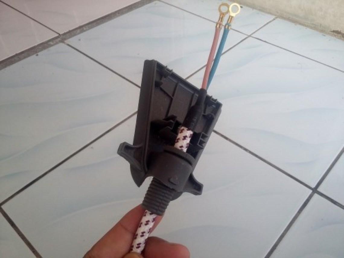 Cara Mengganti Kabel Power Setrika Listrik