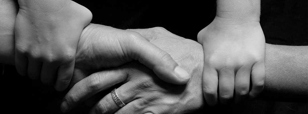 Pasangan Beda Agama Bercerai, Siapa Berhak Hak Asuh Anak?