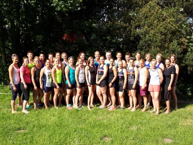 Drachenboot-Frauen-Nationalteam-2018_Kanu-zum-Frühstück
