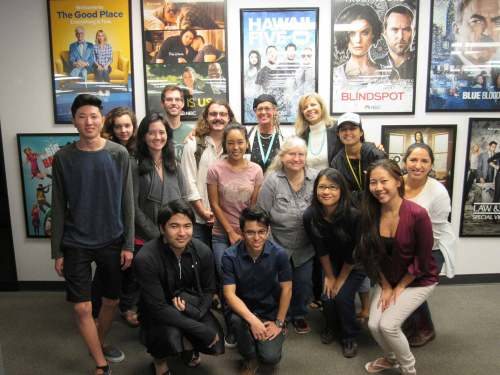 Students from JOUR 250, JOUR 270 and JOUR 285V get a behind-the-scenes look of Hawai'i News Now – Darlene Lee