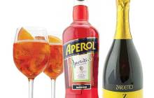 Aperol and Prosecco are the two main ingredients for an Aperol Spritz –MYCAVA.COM