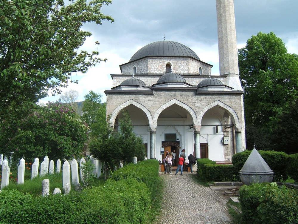 Cara Menanamkan Adab di Masjid Pada Anak - Ali Pasha Mosque in Sarajevo - Bosnia and Hercegowina