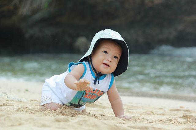 Anak bermain di pantai Ngobaran, sumber ig pantai_ngobaran