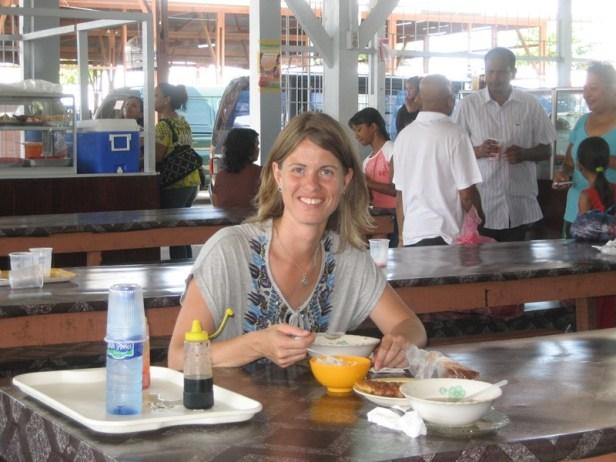Kwatta markt, lunch, saoto